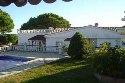 Charming house with pool in picturesque community in Costa Brava